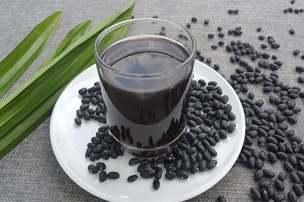 Uống nước đậu đen không rang có tác dụng gì?