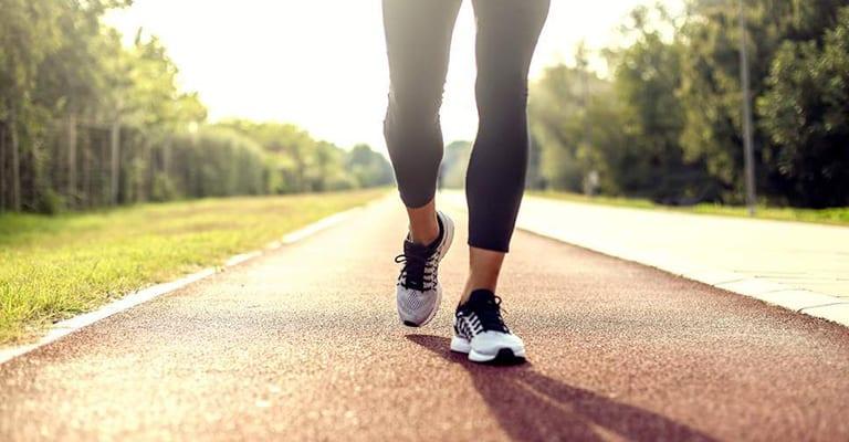 Bị gai cột sống có nên chạy bộ không?