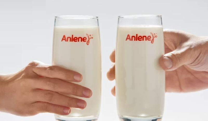 Bị gai cột sống có nên uống sữa anlene?