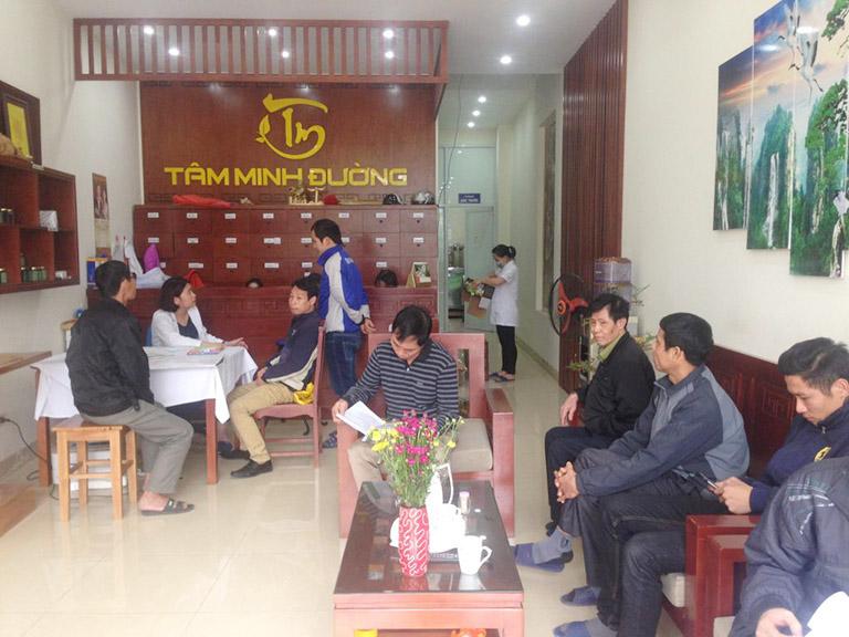 Khám gai cột sống đến nhà thuốc YHCT Tâm Minh Đường