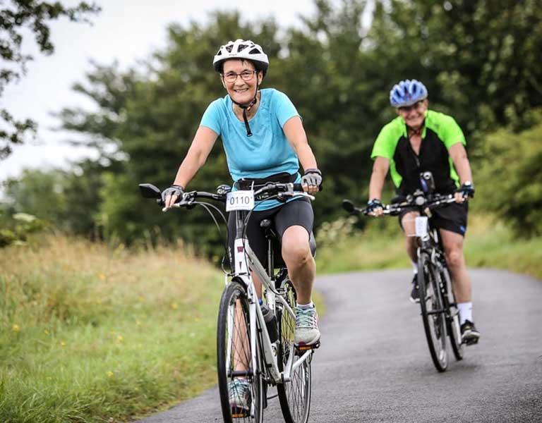 Người bệnh thoát vị đĩa đệm có nên đạp xe không?