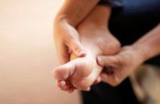 Nguyên nhân thoát vị đĩa đệm gây tê chân, teo chân