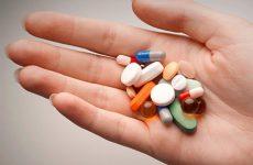 Thoát vị đĩa đệm uống thuốc gì?