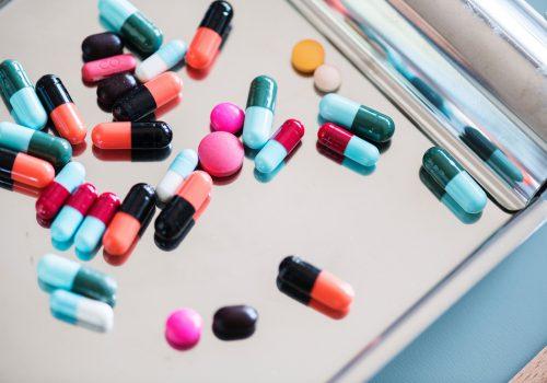 Các loại thuốc trị thoái hóa cột sống